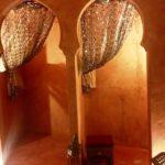 Detalle de las cortinas de la ducha del vestuario